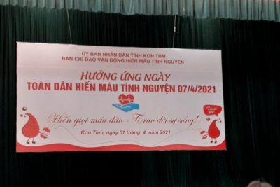 Đoàn viên tham gia hiến máu tình nguyện